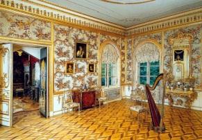peterhof-palace-partridge-room.JPG