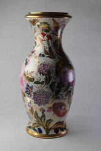 Vase à décor floral de Saint-Gaudens / Valentine - © 2008-2017 L'Association des Conservateurs des Musées de Midi-Pyrénées