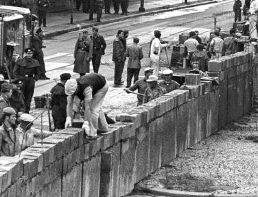 construction-mur-berlin
