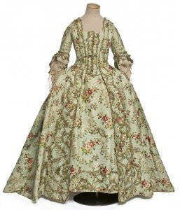 robe-a-la-francaise1-b1ee0-resp257