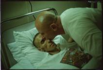 7-nan-goldin-gotscho-kissing-gilles-paris-1993