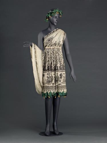 Costume de Bacchante de Denise Poiret, 1912, Palais Galliera, musée de la Mode de la Ville de Paris. Photos © Fr. Cochennec et E. Emo / Galliera / Roger-Viollet.