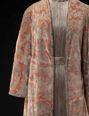 Robe Delphos et manteau, Collection Palais Galliera © Stéphane Piera / Galliera / Roger-Viollet