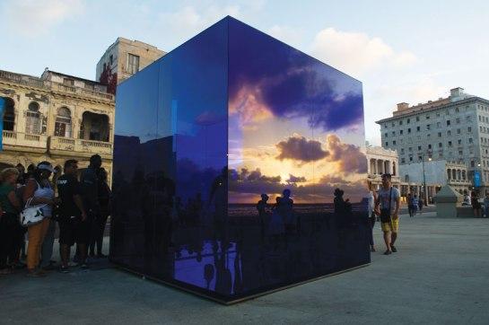 El cubo azul