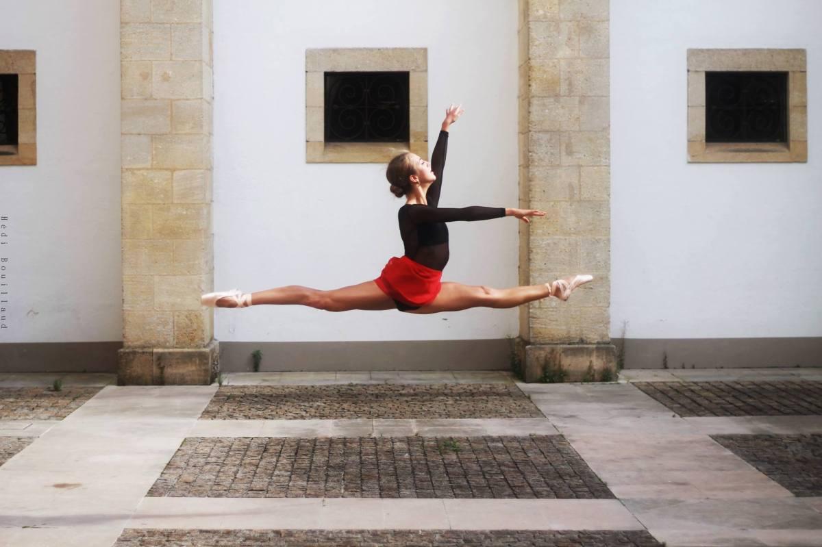 Entretien avec Gabrielle Abadie : dans les coulisses du ballet contemporain
