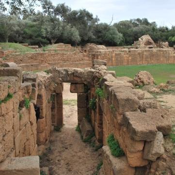 Une des entrées de l'amphithéâtre