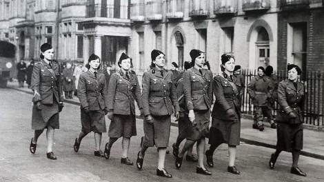 Les volontaires françaises défilent à Londres le 14 juillet 1941 @Musée de l'Ordre de la Libération