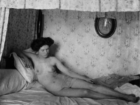 Alfred Stieglitz, Female nude reclining on bed (1907)