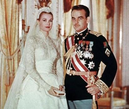 Grace Kelly et Rainier de Monaco lors de leur mariage en 1956