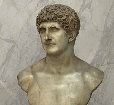 Buste dit d'Antoine, marbre, 69-96 ap. J.-C, conservé aux musées du Vatican à Rome