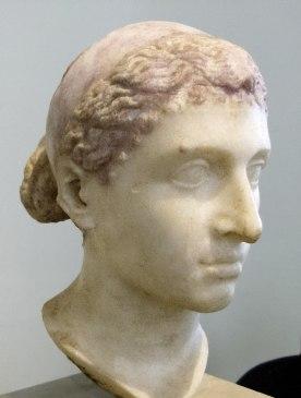 Buste de Cléopâtre VII portant le diadème des Ptolémées, marbre, milieu du Ier siècle av. J.-C, conservé au Altes Museum de Berlin