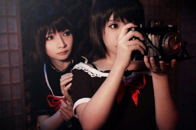 _wikipedia_id_thumb_2_2c_Mayu_Mio_in_Fatal_Frame.jpg_800px-Mayu_Mio_in_Fatal_Frame