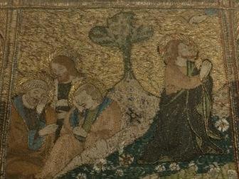 Frise supérieure d'un antependium, Florence, Italie, XIVe siècle, toiles de lin, broderie, conservé au musée des tissus de Lyon